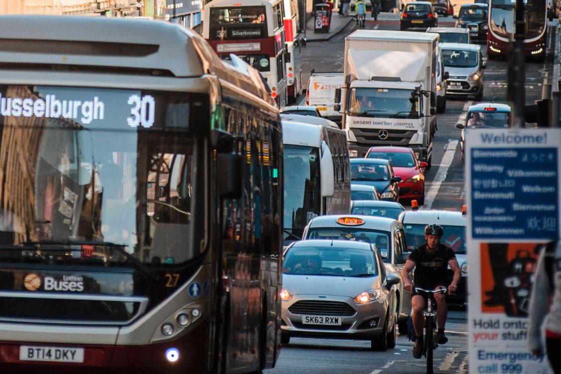 Heavy traffic on South Bridge, Edinburgh